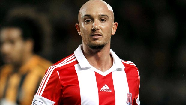 Stoke City: Mark Hughes eyes extended Stephen Ireland stay