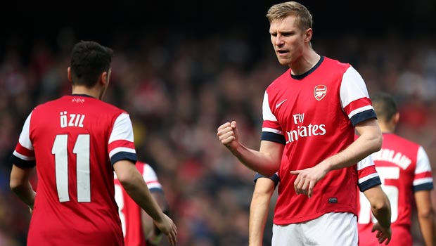 Arsenal: Fit stars gives Per Mertesacker hope