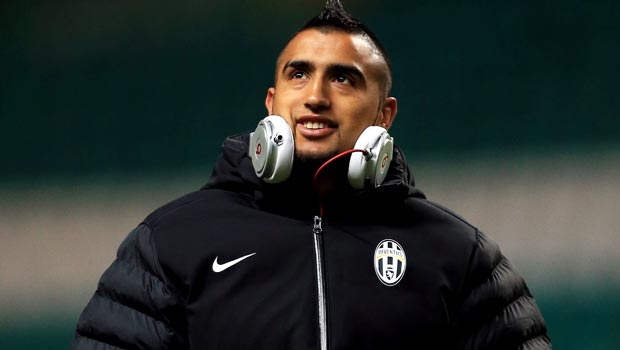 Carlos Tevez: 'Juventus must fight for Arturo Vidal'