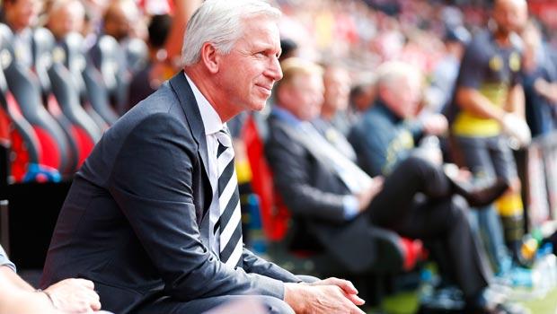 Newcastle manager Alan Pardew accepts fans' flak