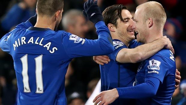Steven Naismith commits to Everton