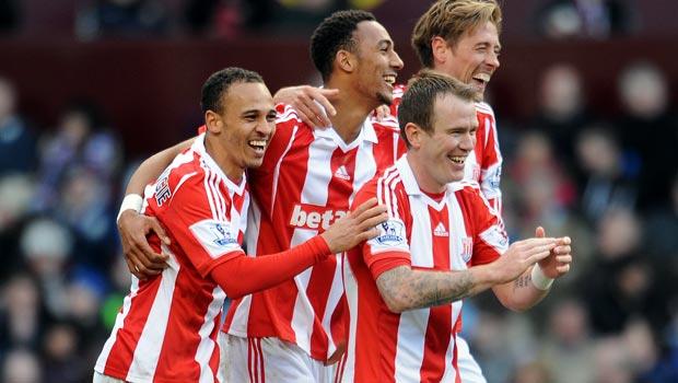 Stoke City pair pen new deals