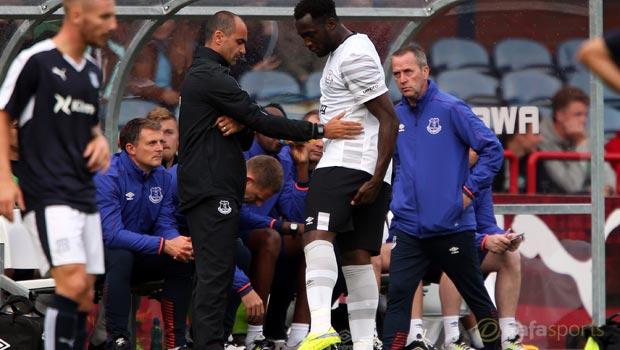 Everton manager Roberto Martinez eases Romelu Lukaku injury fears