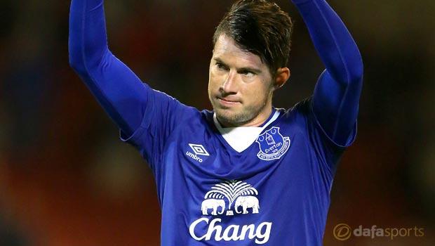 Everton's Bryan Oviedo returns to starting line-up