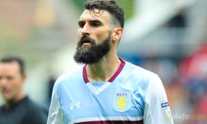 Aston-Villa-midfielder-Mile-Jedinak