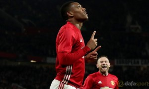 Anthony Martial planning Man United stay