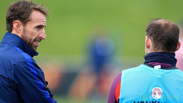 Gareth Southgate opens door for Wayne Rooney return