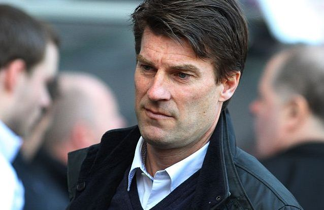 Swansea boss Michael Laudrup distance Barcelona coach