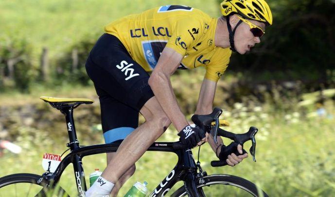 Team Skys Chris Froome tighten Tour de France