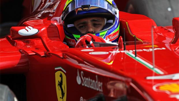 Felipe Massa talk with lotus team