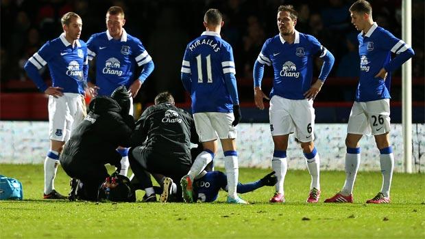 Bryan Oviedo everton injury FA Cup