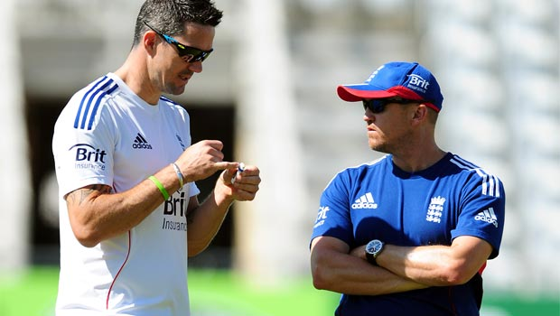 England coach Andy Flower and batsman Kevin Pietersen