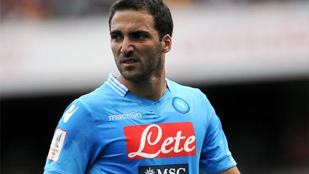 Gonzalo Higuain Napoli striker