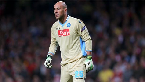 Pepe Reina Napoli goalkeeper