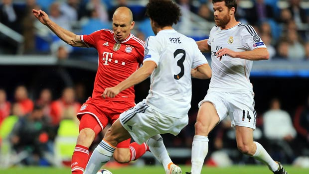 Bayern Munich Arjen Robben attacks real madrid pepe and xabi