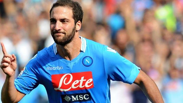Gonzalo Higuain Napoli striker Injury news