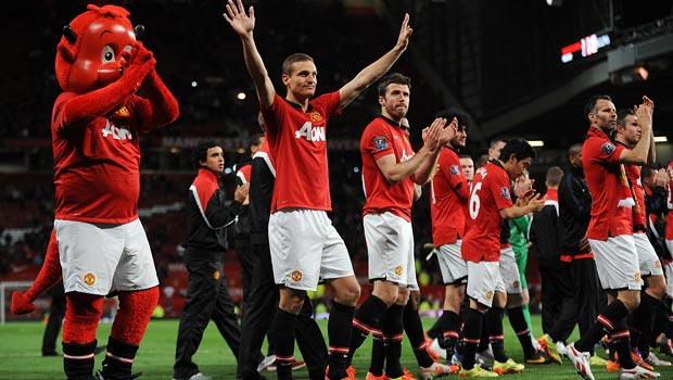 Nemanja Vidic Manchester United salutes red devils fans