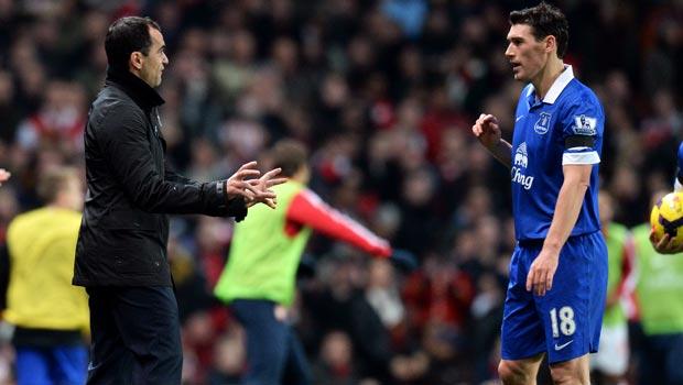 Roberto Martinez hails Gareth Barry Everton