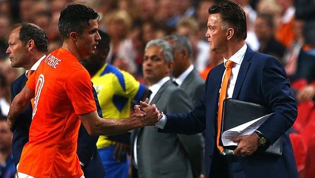 Robin Van Persie and Van Gaal backing