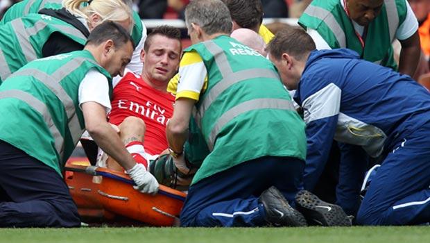 Mathieu Debuchy Arsenal Injury