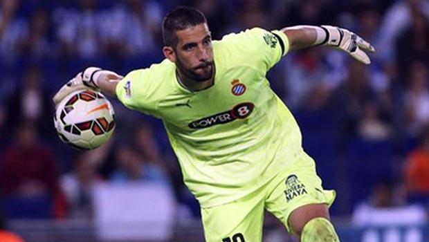 Espanyol goalkeeper Kiko Casilla