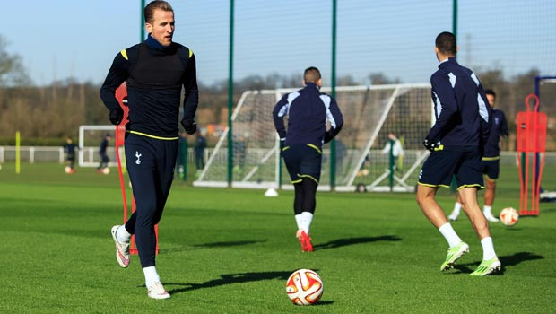 Tottenham Hotspur Harry Kane v Fiorentina Europa League