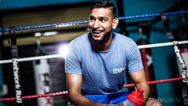 Boxing Amir Khan to Kell Brook