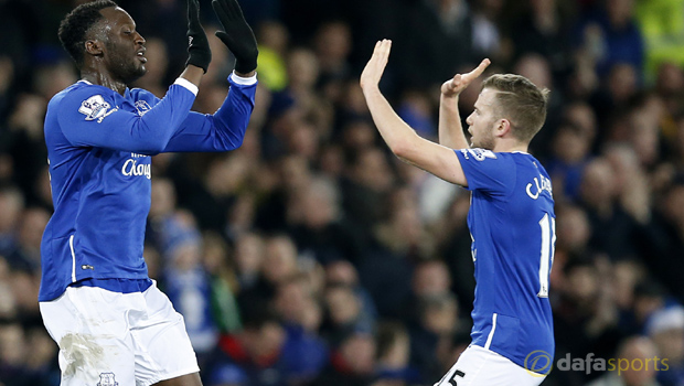 Everton-Tom-Cleverley-and-R