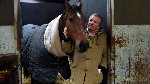 Trainer Nigel Twiston-Davies with The New One