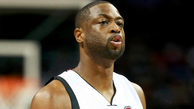 Dwayne-Wade-Chicago-Bulls-switch